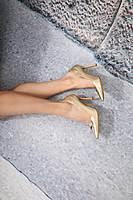 Gold pumps image