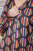 Blouse in graphic polka dot print  image