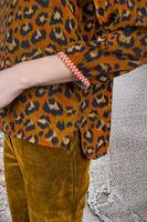 Top in leopard print  image