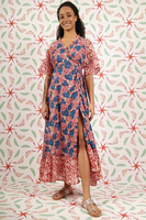 Wrap dress in floral print  image